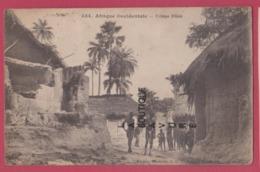 AFRIQUE OCCIDENTALE---SENAGAL- Village Diola--animé - Senegal