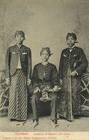 Indonesia, JAVA SOERABAIA, Native Civil Servants, Writers (1908) Postcard (1) - Indonesië