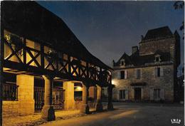 DOMME - La Halle Et La Maison Du Gouverneur, Vues De Nuit - France