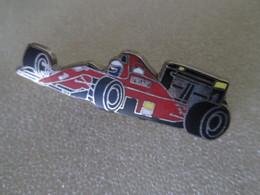 PIN'S   FERRARI  Formule 1     ZAMAK  LOCOMOBILE - Ferrari