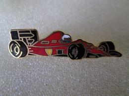PIN'S   FERRARI  Formule 1   Zamak  Beraudy  Vaure - Ferrari