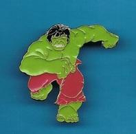 1 PIN'S  //   ** HULK / AVENGERS / MARVEL COMICS ** . (© 1988 Marvel Ent. Group Inc.) - Comics