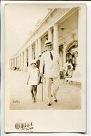 HOMBRE CON NIÑA, HOMME AVEC FILLE, MAN WITH GIRL - MAR DEL PLATA ARGENTINA PHOTO POSTALE 1930 NON CIRCULE - LILHU - Grupo De Niños Y Familias