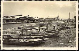 Indonesia, JAVA SOERABAIA, Oedjoeng, Landing Place Madurese Proas (1930s) RPPC - Indonesië