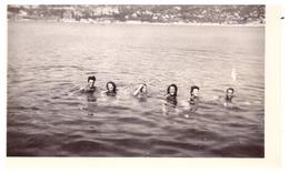 PASSABLE  JEUNES GENS SE BAIGNENT DANS LA GRANDE BLEUE !  Juillet 1945  ALPES MARITIMES - Lieux