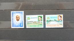 Afrique > Guinée Equatoriale : 3 Timbres Neufs - Guinea Equatoriale
