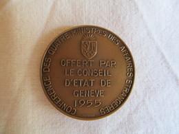 Suisse: Conférence Des Quatre Ministres Des Affaires étrangères (offert Par Le Conseil D'Etat De Genève - 1955) - Monarquía / Nobleza