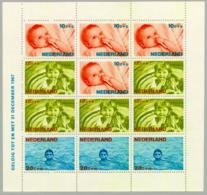 1966 Blokje Kind NVPH 875 Ongestempeld/MH/* - Blokken
