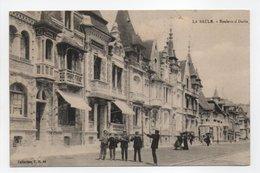- CPA LA BAULE (44) - Boulevard Darlu (avec Personnages) - Collection T. H. N° 44 - - La Baule-Escoublac