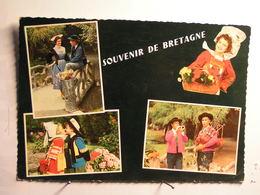 Costumes De Lorient, Fouesnant, Scaer, Quimperlé, Plougastel Daoulas - France