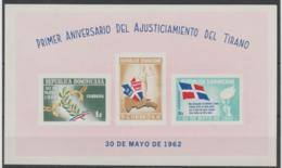DOMINICAN REPUBLIC - 1962 Flags And Maps Souvenir Sheet. Scott 563a (imperf). MNH ** - Dominican Republic