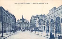 92 - Levallois-Perret - Place De La République (caserne Sapeurs Pompiers) - Levallois Perret