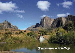 1 AK Madagaskar * Das Tsaranoro Tal Befindet Sich Am Rande Vom Andringitra Nationalpark Im Süden Von Madagaskar * - Madagascar