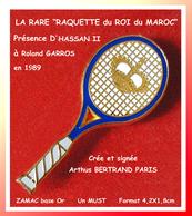 """RARE Roland GARROS : """"LA RAQUETTE DU ROI DU MAROC"""" Remise Lors Présence Au Tournois D'HASSAN II Par Arthus BERTRAND En91 - Arthus Bertrand"""