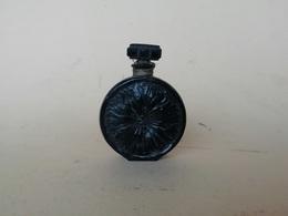 Flacon à Parfum Ancien En Verre Noir, Parfumerie Molinard - Flacons (vides)