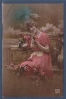 = Carte Postale Portrait De Femme Bouquet De Fleurs Bonne Année écrit, Berlaimont Le 2.1.21 - Nouvel An