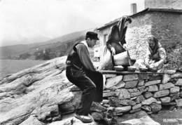 En CORSE - La Fabrication Du Bruccio - Brocciu - Fromage - Frankrijk