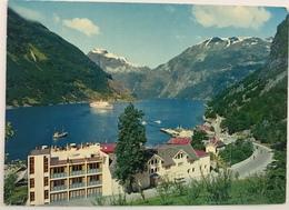 (104) Geiranger - Norway -  Hotel Geiranger - Noorse Vlag - Norwegen