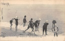 Deauville (14) - Les Enfants Sur La Plage - Deauville