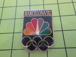 516a Pins Pin's / Rare & Belle Qualité THEME JEUX OLYMPIQUES / BARCELONA 92 OISEAU PAON ARC-EN-CIEL - Olympic Games