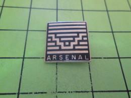 611c Pins Pin's / Rare & Belle Qualité THEME SPORTS / CLUB DE FOOTBALL ARSENAL ? - Football
