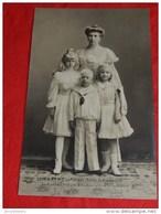 S. A. R. Madame La Princesse Charles De Hohenzollern, Princesse Joséphine De Belgique Et Ses Enfants - Koninklijke Families