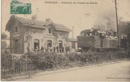 Gargan  93   Arrivée Du Train De Paris  En Gare-Quai Tres Tres Animé - Other Municipalities