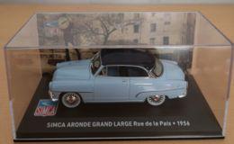 SIMCA ARONDE GRAND LARGE 1956-1/43-(neuve Sur Son Socle Noir)-ATLAS - Cars & 4-wheels