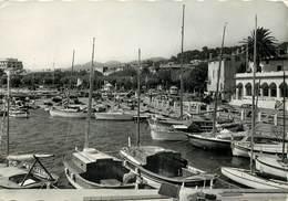 Dép 83 - Bateaux - Ste Maxime Sur Mer - Sainte Maxime Sur Mer - Un Coin Du Port - Semi Moderne Grand Format - état - Sainte-Maxime