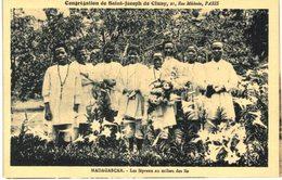 LES LEPREUX AU MILIEU DES LIS - Madagascar