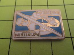 816b Pins Pin's / Rare & Belle Qualité THEME MARQUES / PRO-INTERIM CARTE A JOUER - Marcas Registradas