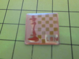 1318c Pins Pin's / Rare & Belle Qualité THEME JEUX / ECHECS ECHIQUIER LBN LIGUE BASSE NORMANDIE - Jeux