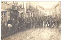 MILITARIA - CARTE PHOTO - PHOTO CARD - Infanterie Cycliste? - Compagnie De Cyclites De L' Armée? - Guerra 1914-18