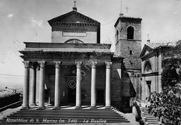 Cartolina Repubblica Di San Marino Basilica 1955 Francobolli Al Retro - San Marino