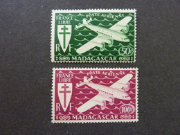 MADAGASCAR, Poste Aérienne, Année 1943, YT N° 60 Et 61 Neufs MH* - Madagascar (1889-1960)