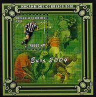 MOZAMBIQUE  BF 69A  * *  ( Cote 17.50e )  Euro 2002 Football  Soccer   Fussball Zidane - Europei Di Calcio (UEFA)