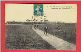 NOS DOUANIERS A LA FRONTIERE 1911 A LA POURSUITE DES CONTREBANDIERS CARTE POSTEE A HALLUIN CARTE EN BON ETAT - Francia