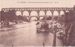 CPA - 37. NIMES - Le Pont Du Gard - Nîmes