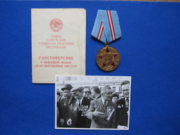Soviet Russian Medal 50 Years Of The Armed Forces Of The USSR With Personal Certificate / Document, 1970 + Photo - Army