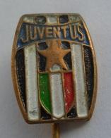FC JUVENTUS ITALY Football Club , SOCCER / FUTBOL / CALCIO PINS BADGES Z2 - Football