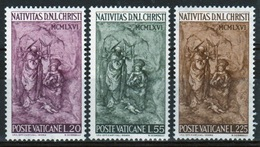Vatican 1966 Complete Set Of Stamps Celebrating Christmas. - Vatican