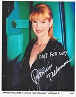 AUTOGRAPHED  PHOTO   BABYLON  5    Signed PATRICIA  TALLMAN - Autographs