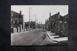 MILITARIA - Carte Postale - Oradour Sur Glane , La Grande Rue - L 35371 - Guerra 1939-45
