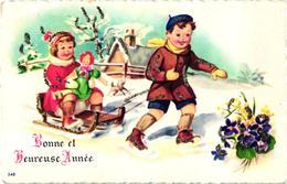 MIGNONETTE BONNE ET HEUREUSE ANNEE CATRE A PAILLETTE GARCON TIRANT LUGE PETITE FILLE ET POUPEE   REF 60415 - Año Nuevo