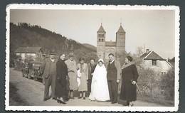 Photo Ancienne MURBACH (68) Une Communiante Et Sa Famille Avec L'église En Arrière Plan En Mai 1938 - Places