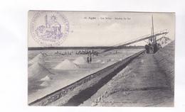 CPA DPT 34 AGDE, LES SALINS, RECOLTE DU SEL En 1915!(voir Tampon Militare Face Et Dos) - Agde