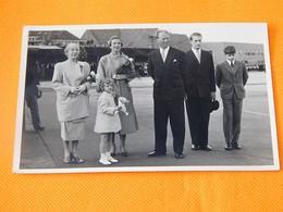 FAMILLE ROYALE BELGIQUE - Roi Léopold III, Reine Elisabeth,  Princesse De Réthy, Princes Albert Et Alexandre - Royal Families