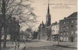 59 CAMBRAI -ANNEXE  Place à L'Arrivée De La Gare - Cambrai