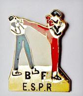 Pin's Boxe Française BF ESPR - RE/01 - Boxing