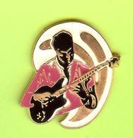 Pin's Guitariste - 7GG04 - Music